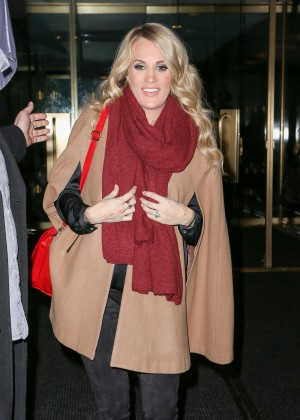 Carrie Underwood - Leaving the 'Today Show' in NYC