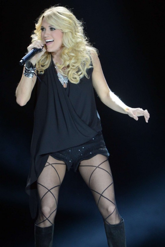 Carrie Underwood - Performina at C2C Country To Country Festival 2013 -17