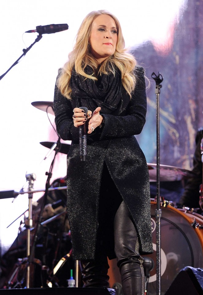 Carrie Underwood - Performs at World AIDS Day in New York City