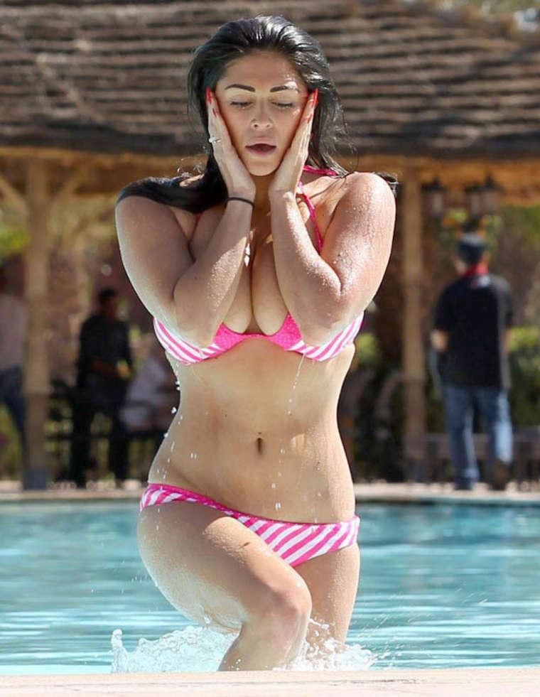 casey batchelor bikini photos 2014 in morocco  03   gotceleb