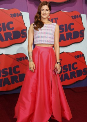 Cassadee Pope: 2014 CMT Music Awards -06