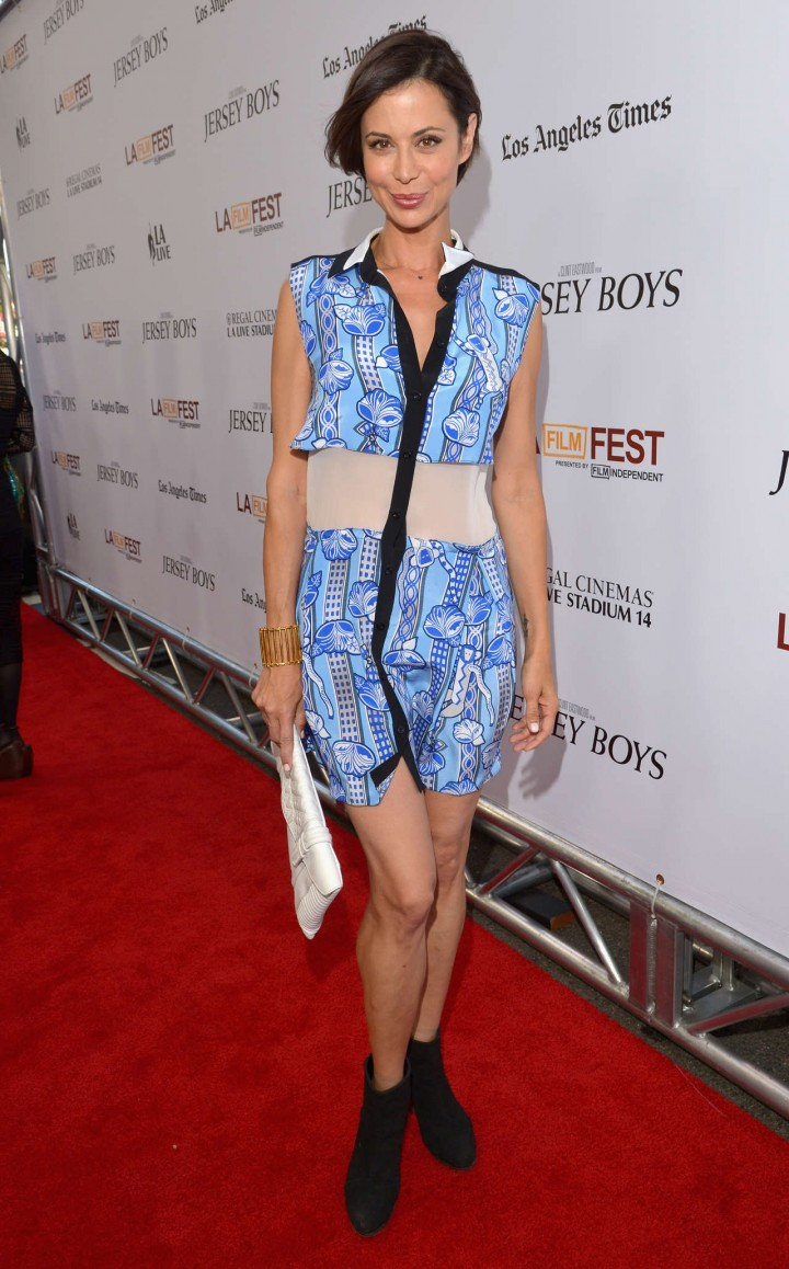 Catherine Bell in blue dress -01