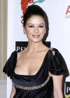 catherine-zeta-jones-at-the-176th-annual-st-davids-society-gala-dinner-at-the-yale-club-in-new-york-14
