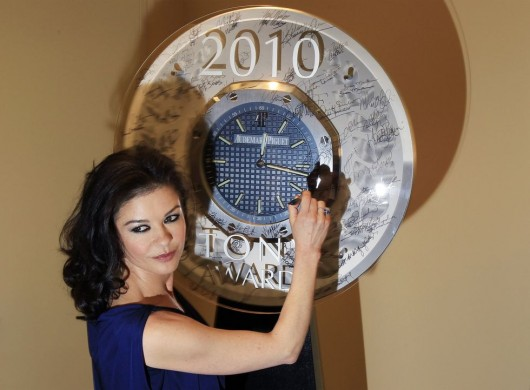 catherine-zeta-jones-at-tony-award-nominees-press-reception-in-ny-01