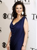 catherine-zeta-jones-at-tony-award-nominees-press-reception-in-ny-04