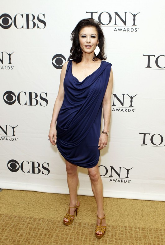 catherine-zeta-jones-at-tony-award-nominees-press-reception-in-ny-05