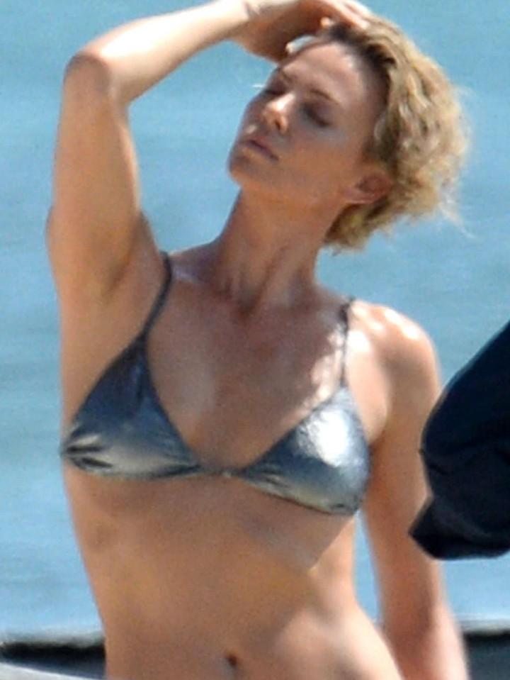 Charlize Theron - Bikini Photoshoot in Miami - GotCeleb Charlize Theron Sean Penn