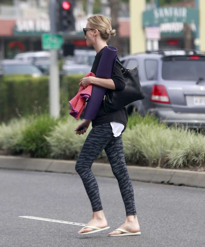 Charlize Theron in Leggings - Goes To Yoga Class in West Hollywood