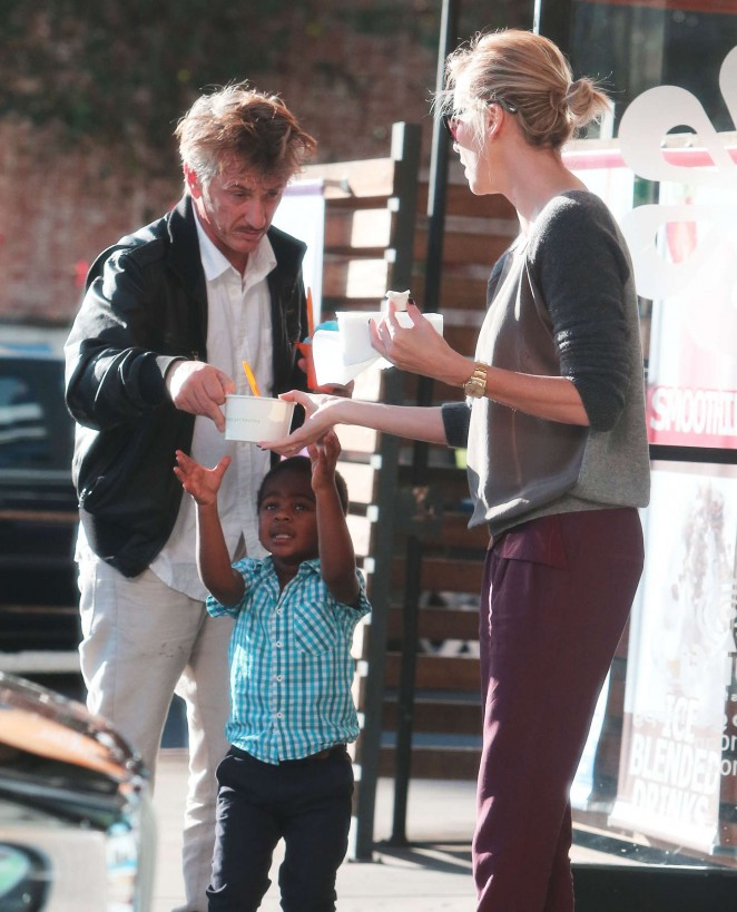 Charlize Theron & Sean Penn - Treat Jackson to Some Frozen Yogurt in Hollywood