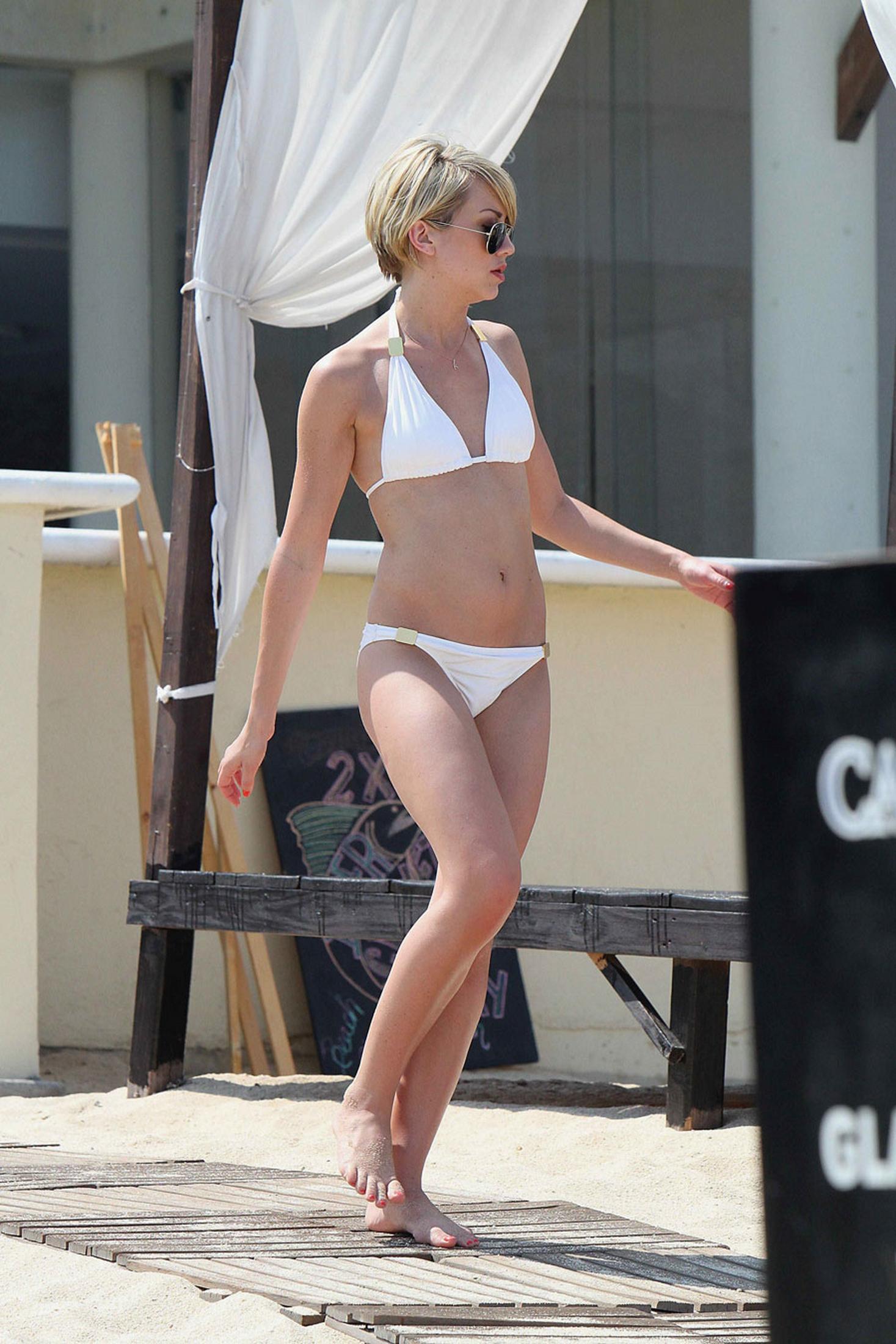 Chelsea Kane White Bikini Pics In Mexico June 2011 03