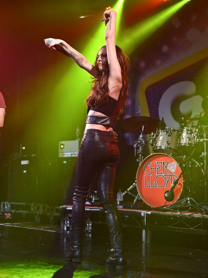 Cher Lloyd - Performa Live at G-A-Y in London