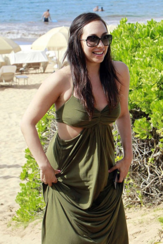 Model In Christmas Vacation.Cheryl Burke In Green Dress At Christmas Vacation In Maui