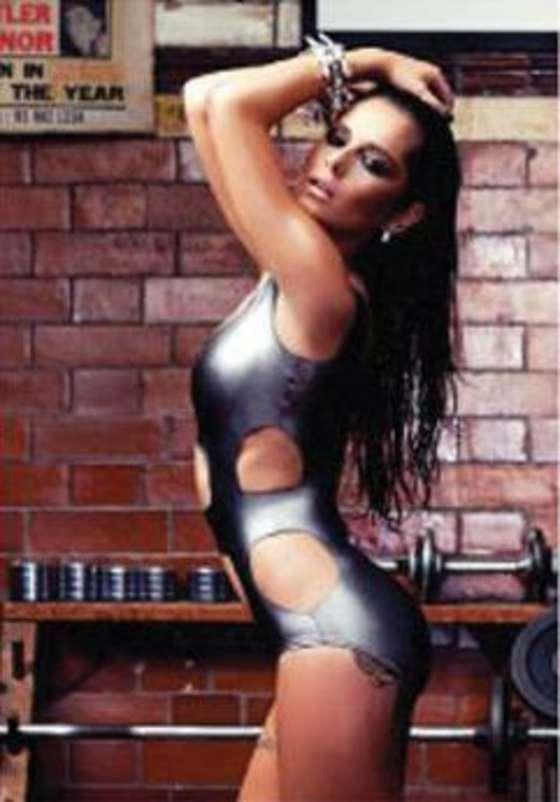 http://www.gotceleb.com/wp-content/uploads/celebrities/cheryl-cole/2012-calendar-lq/Cheryl%20Cole%20-%202012%20Calendar-01.jpg