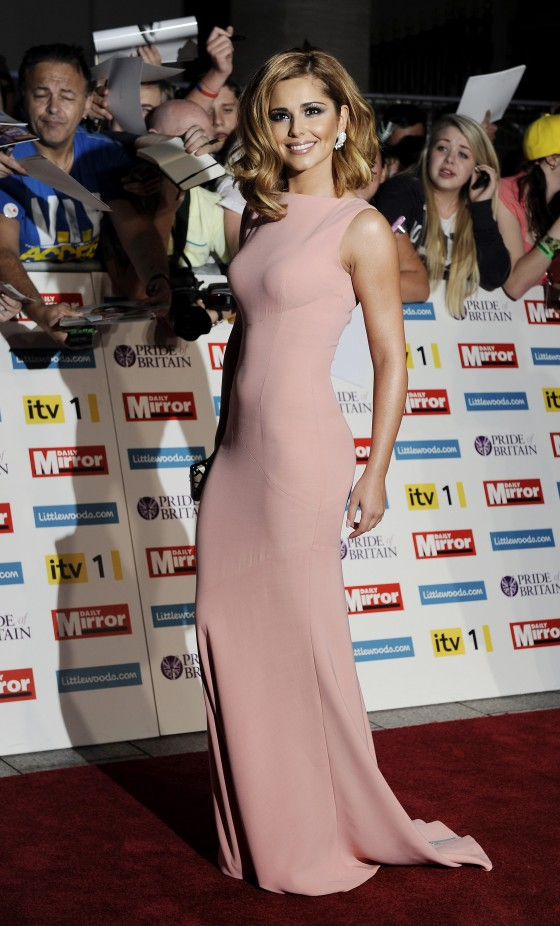 cheryl-cole-at-pride-of-britain-awards-in-london-08