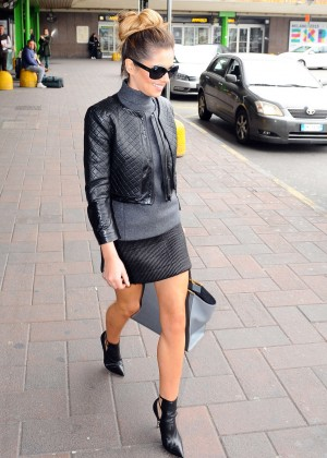 Cheryl Cole Leggy at Principe di Savoia Hotel in Milan -06
