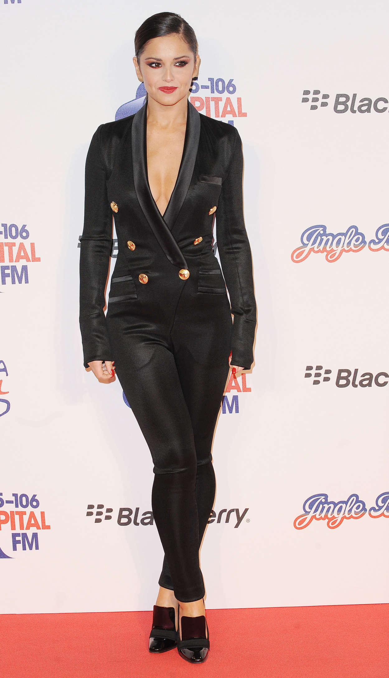 Back to FULL gallery Cheryl Cole – Jingle Bell Ball 2012 in London Miley Cyrus