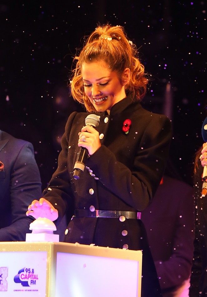 Cheryl Fernandez-Versini - Switches on the Oxford Street Christmas Lights in London
