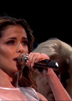 Cheryl Fernandez-Versini: Performs at X Factor -05