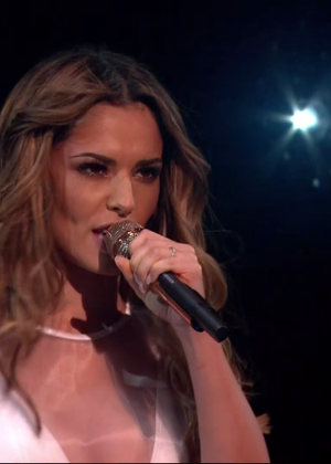 Cheryl Fernandez-Versini: Performs at X Factor -06