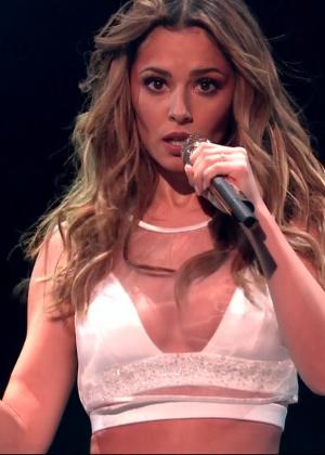 Cheryl Fernandez-Versini: Performs at X Factor -07
