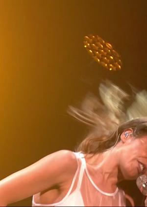 Cheryl Fernandez-Versini: Performs at X Factor -10