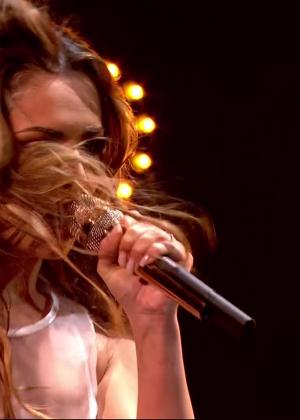 Cheryl Fernandez-Versini: Performs at X Factor -30