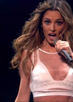 Cheryl Fernandez-Versini: Performs at X Factor -40