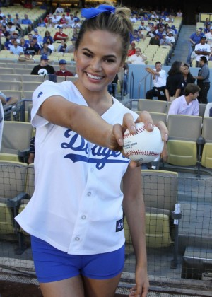 Chrissy Teigen: first pitch at Dodger Stadium-03