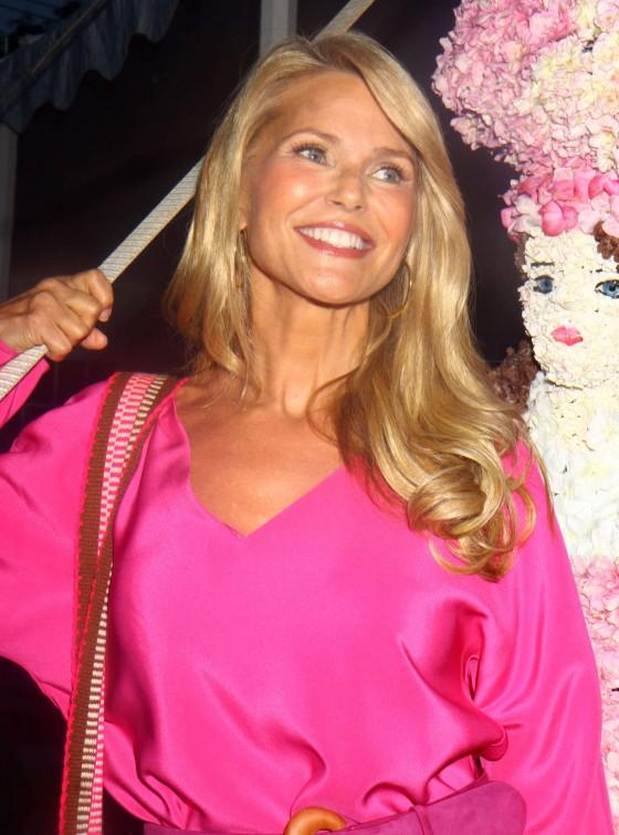 Christie Brinkley: 2013 Ellens Run Pink Apron Party -05