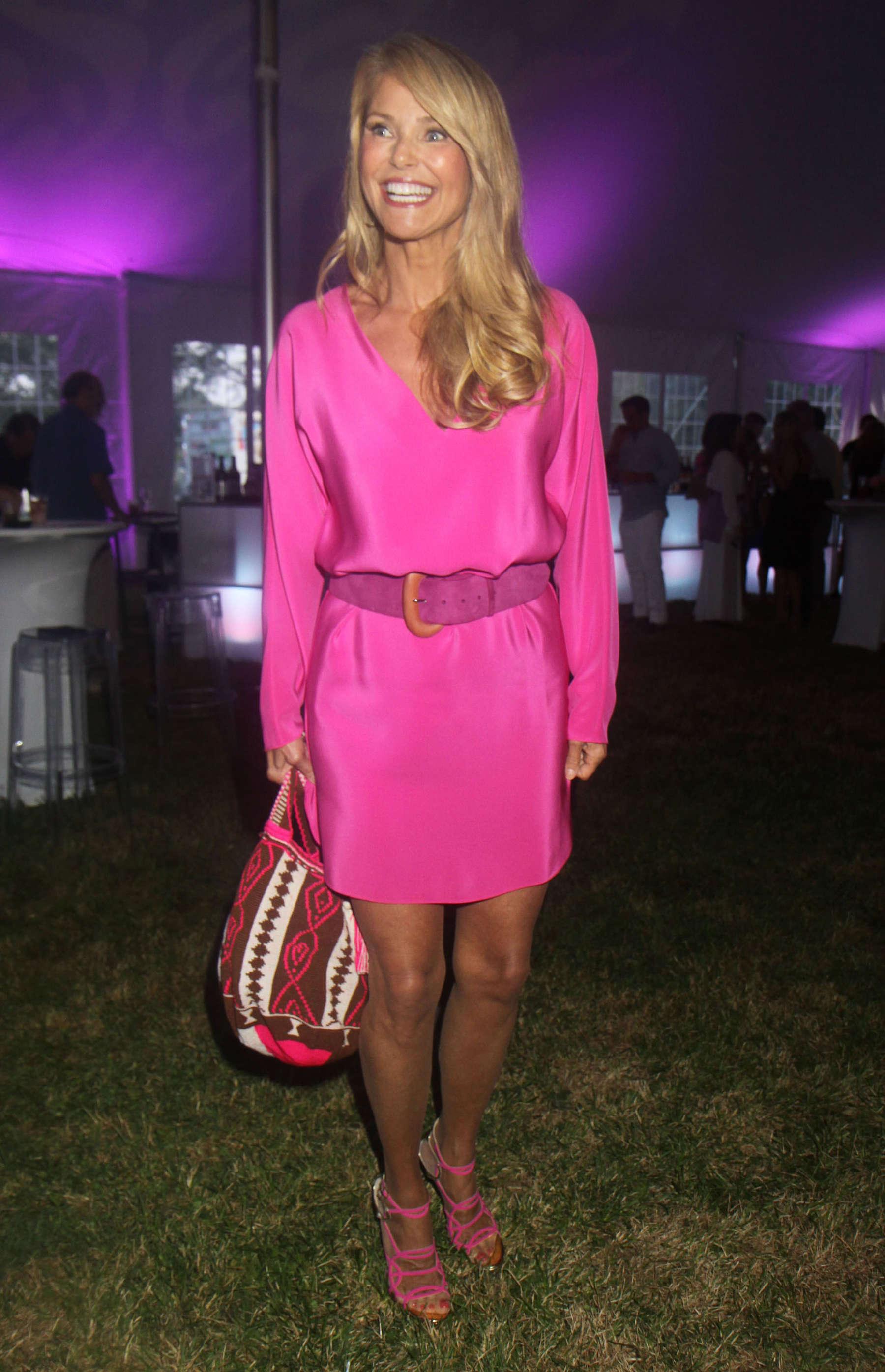 Christie Brinkley 2013 Ellens Run Pink Apron Party 10