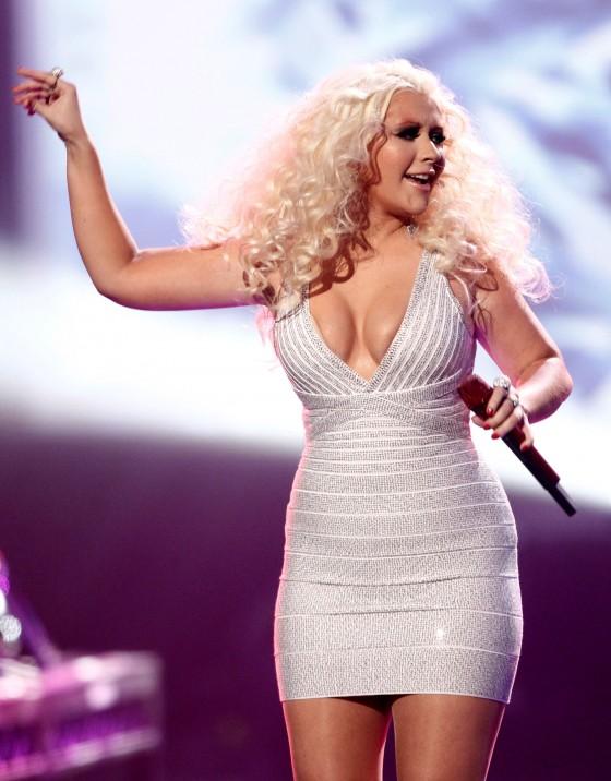 Christina Aguilera Cleavage At 2011 American Music