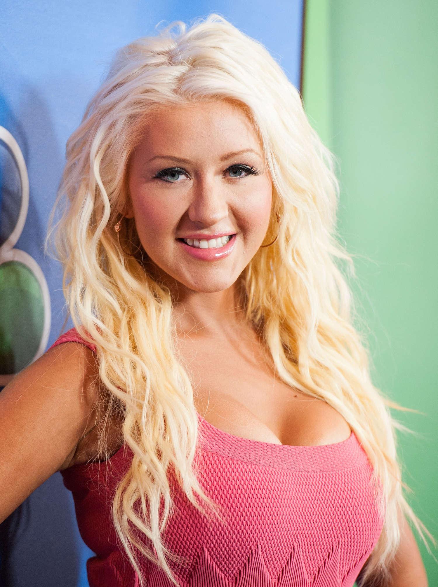 latina blondes