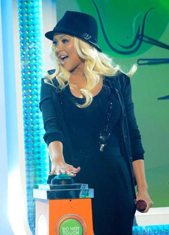 Christina Aguilera – 2013 Kids Choice Awards -02