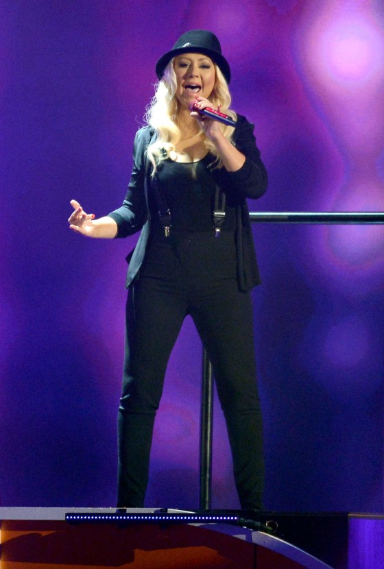 Christina Aguilera – 2013 Kids Choice Awards -03