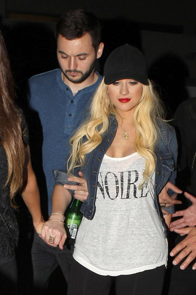 Christina Aguilera – Leaving the Drake vs Lil Wayne Concert in LA