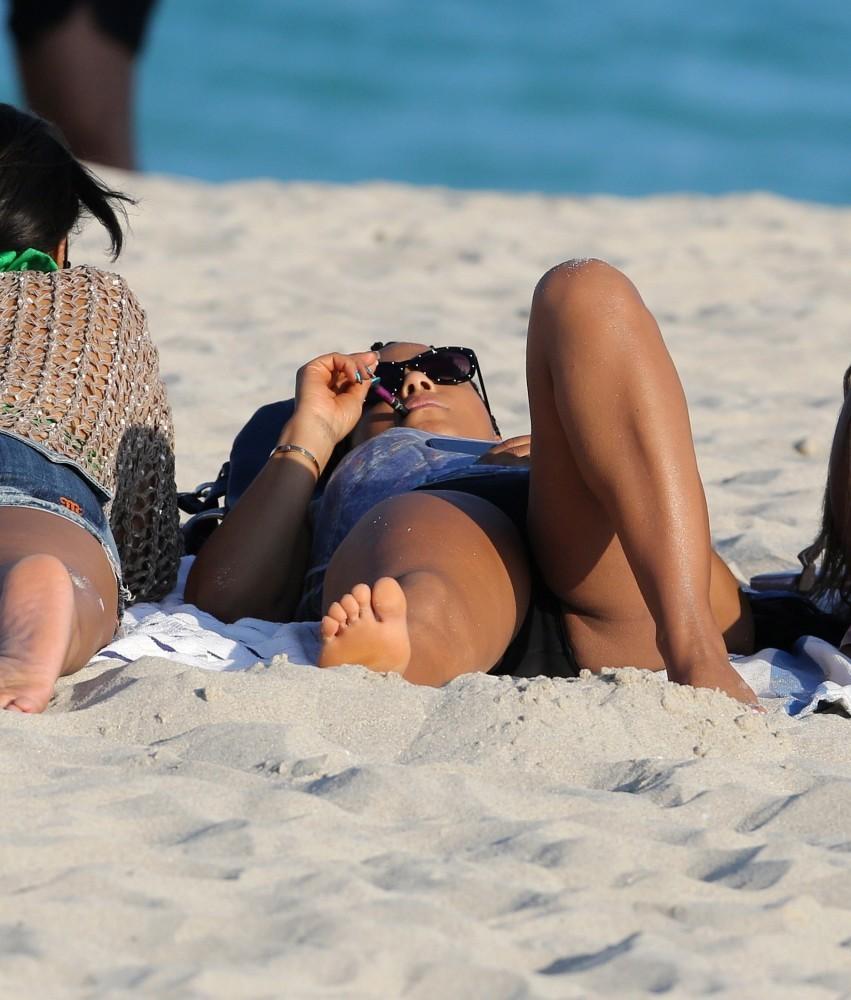 Christina Milian 2013 : Christina Milian In Black Swimsuit -24