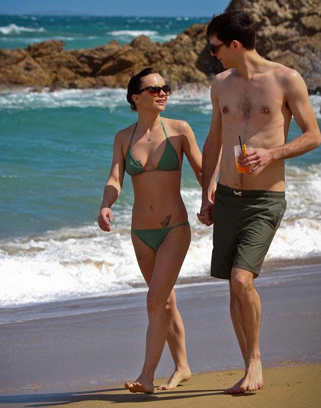 Christina Ricci bikini in Puerto Rico – GotCeleb кристина риччи