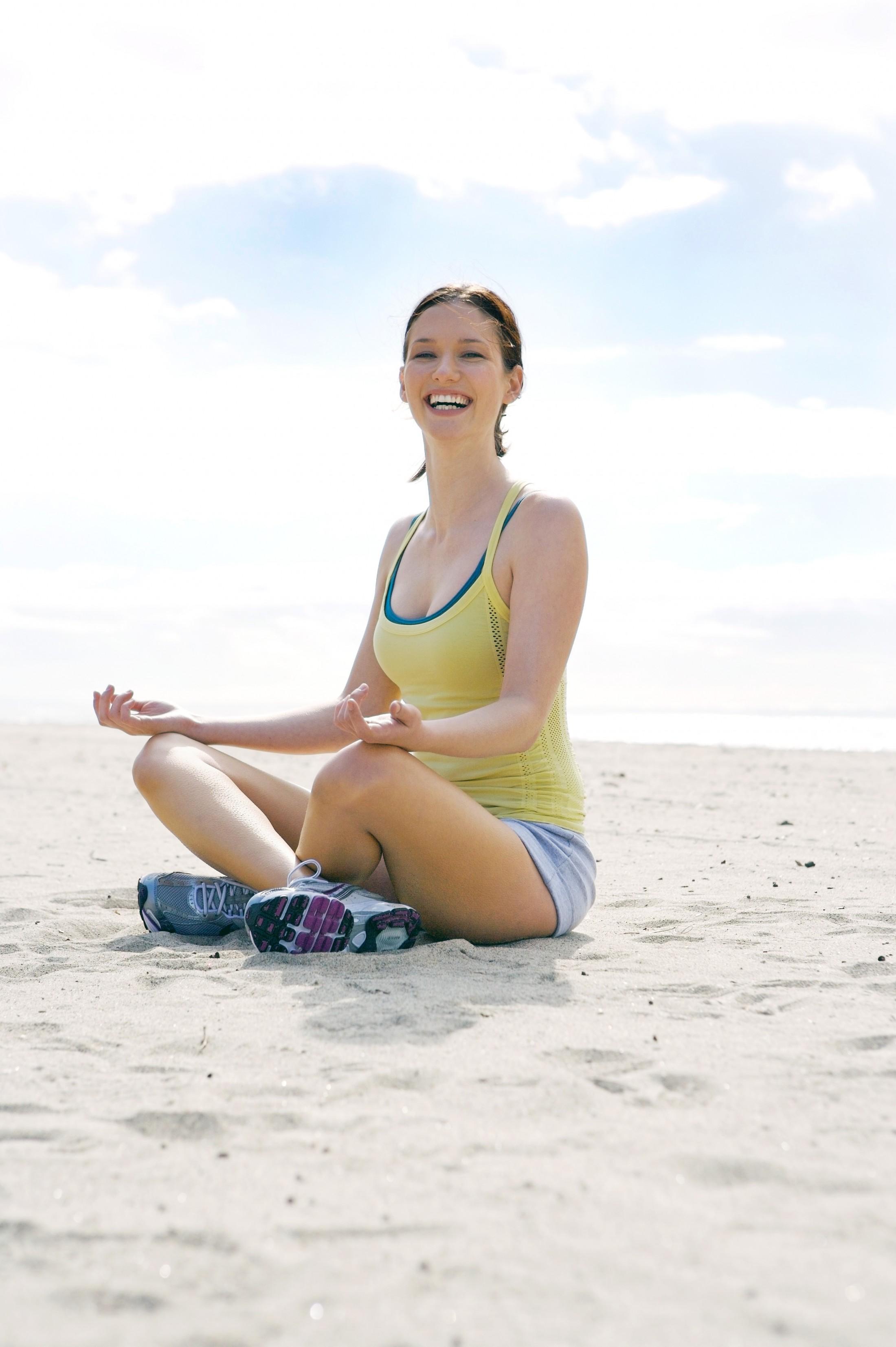 Chyler Leigh yoga