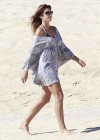 Cindy Crawford in Cabo-06