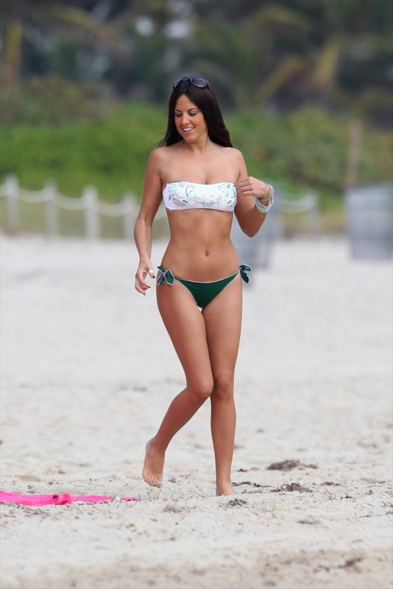 Claudia Romani Bikini Photos-03