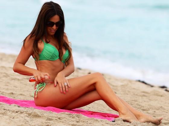 Claudia Romani in Bikini -04