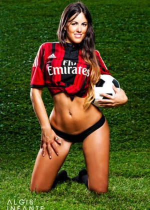 Claudia Romani - Supports AC Milan
