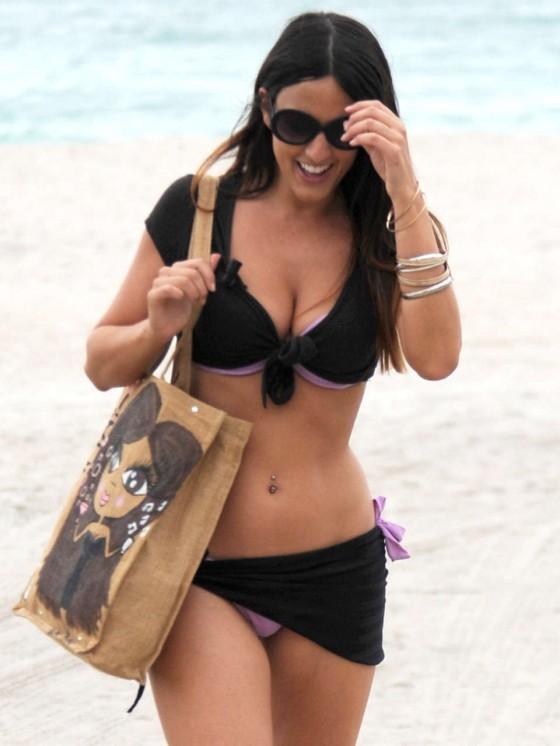 Claudia Romani – Wearing bikini on the Beach in Miami