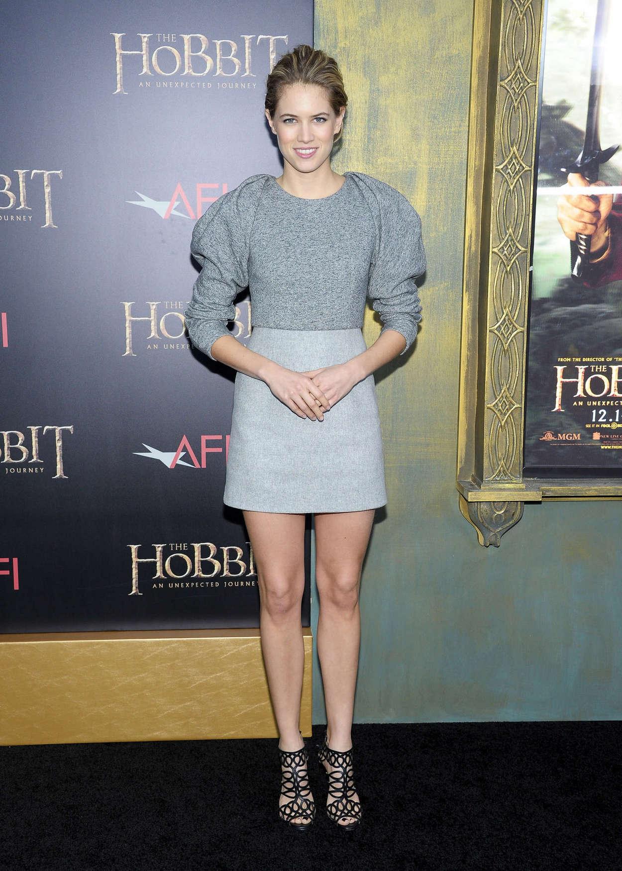 Cody Horn - The Hobbit Premiere -06 - GotCeleb Emma Watson Instagram