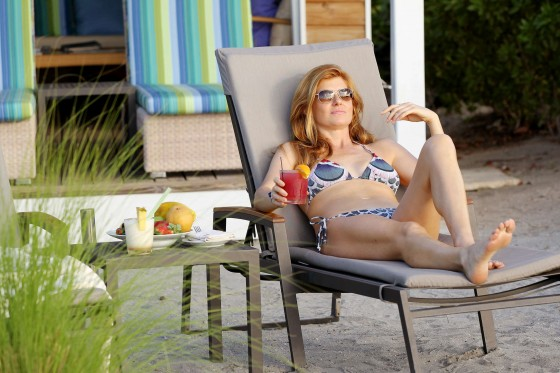 Connie Britton showing her bikini body by the pool at Four Seasons in the Caribbean-01