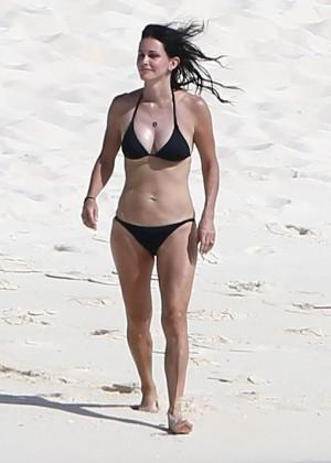 Courteney Cox bikini 2014  -02