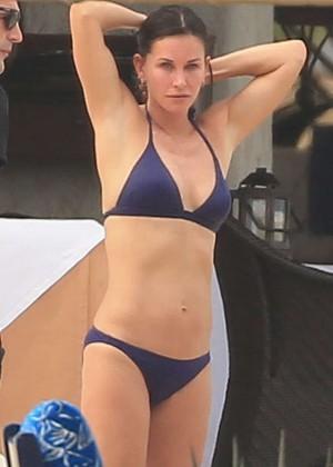 Courteney Cox - Wearing black bikini in Cabo