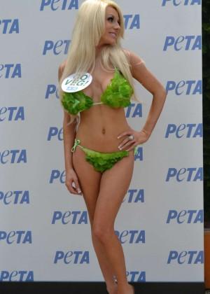 Courtney Stodden in Green Bikini -01
