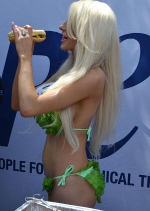 Courtney Stodden in Green Bikini -02