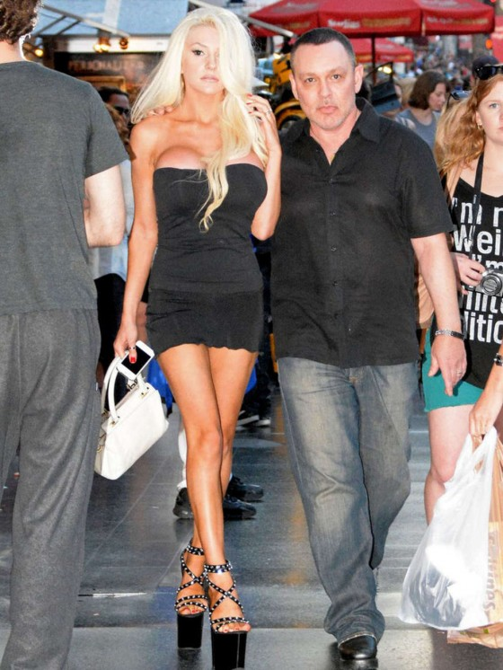 Courtney Stodden Seen Around The Hard Rock Cafe 21 Gotceleb border=